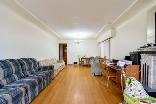 Photo 3: 2652 E 5TH Avenue in Vancouver: Renfrew VE House for sale (Vancouver East)  : MLS®# R2152561