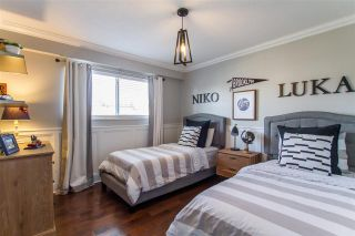 Photo 10: 937 JARVIS Street in Coquitlam: Harbour Chines House for sale : MLS®# R2437277