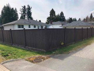 Photo 3: 1697 EDEN Avenue in Coquitlam: Central Coquitlam House for sale : MLS®# R2561929