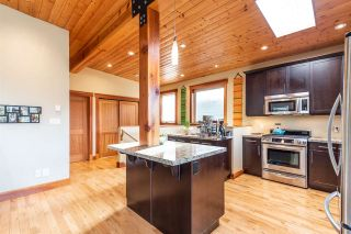 """Photo 4: 1006 PENNYLANE Place in Squamish: Hospital Hill House for sale in """"Hospital Hill"""" : MLS®# R2520358"""