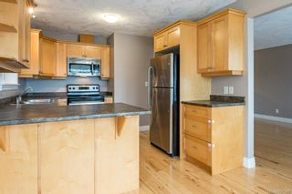 Photo 3: A 2727 Willemar Ave in : CV Courtenay City Half Duplex for sale (Comox Valley)  : MLS®# 867145