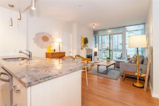 """Photo 8: 504 1211 MELVILLE Street in Vancouver: Coal Harbour Condo for sale in """"THE RITZ"""" (Vancouver West)  : MLS®# R2143685"""