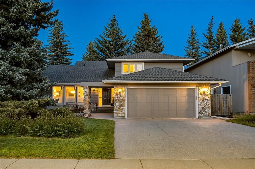 Main Photo: 974 LAKE PLACID Drive SE in Calgary: Lake Bonavista Detached for sale : MLS®# C4299089