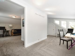 Photo 13: 1086 W Burnside Rd in VICTORIA: SW Strawberry Vale House for sale (Saanich West)  : MLS®# 812559
