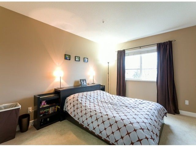Photo 9: Photos: 414 5765 GLOVER Road in Langley: Langley City Condo for sale : MLS®# F1402300