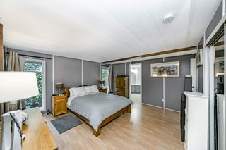 """Photo 24: 2 13507 81 Avenue in Surrey: Queen Mary Park Surrey Manufactured Home for sale in """"Park Boulevard Estates"""" : MLS®# R2460822"""