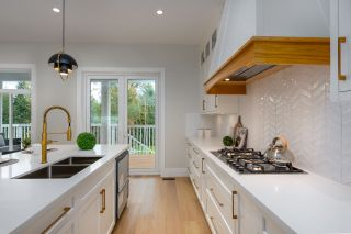 """Photo 4: 40895 THE CRESCENT in Squamish: University Highlands House for sale in """"UNIVERSITY HEIGHTS"""" : MLS®# R2467442"""