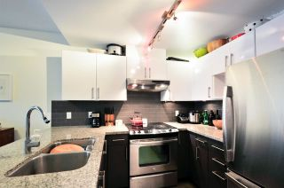 """Photo 4: 1004 14 BEGBIE Street in New Westminster: Quay Condo for sale in """"INTERURBAN"""" : MLS®# R2219894"""
