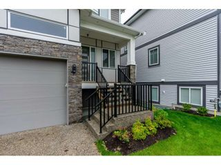 """Photo 2: 11097 241A Street in Maple Ridge: Cottonwood MR House for sale in """"COTTONWOOD/ALBION"""" : MLS®# R2494518"""