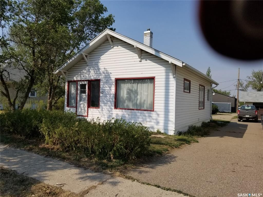 Main Photo: 52 1st Avenue East in Central Butte: Residential for sale : MLS®# SK865343