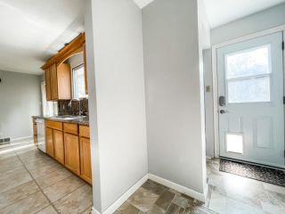 Photo 5: 909 10 Avenue: Wainwright House for sale (MD of Wainwright)  : MLS®# A1146522
