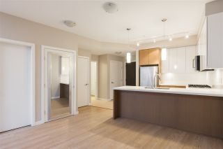 "Photo 3: 303 20 E ROYAL Avenue in New Westminster: Fraserview NW Condo for sale in ""THE LOOKOUT - VICTORIA HILL"" : MLS®# R2334251"