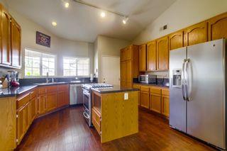 Photo 9: NORTH ESCONDIDO House for sale : 3 bedrooms : 1749 El Aire in Escondido