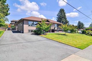 Photo 2: 19075 60B Avenue in Surrey: Cloverdale BC House for sale (Cloverdale)  : MLS®# R2475038