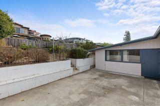 Photo 31: SOLANA BEACH House for sale : 3 bedrooms : 654 Glenmont