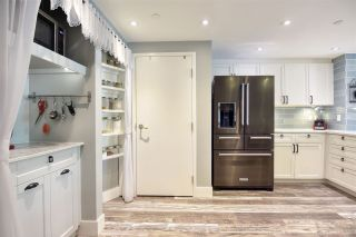 """Photo 13: 105 1383 MARINASIDE Crescent in Vancouver: Yaletown Townhouse for sale in """"COLUMBUS"""" (Vancouver West)  : MLS®# R2478306"""