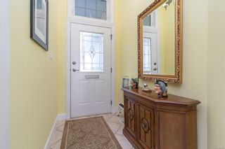 Photo 5: 745 Rogers Ave in : SE High Quadra House for sale (Saanich East)  : MLS®# 886500
