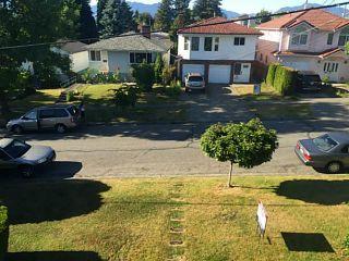 Photo 5: 3288 Waverley Avenue in Vancouver: Killarney VE House for sale (Vancouver East)  : MLS®# V1126812