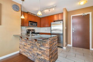 """Photo 8: 1703 610 VICTORIA Street in New Westminster: Downtown NW Condo for sale in """"THE POINT"""" : MLS®# R2431957"""