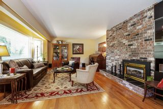 Photo 2: 11613 196A Street in Pitt Meadows: South Meadows House for sale : MLS®# R2493299