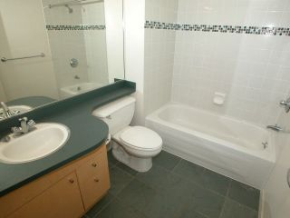 "Photo 6: 2007 1009 EXPO Boulevard in Vancouver: Downtown VW Condo for sale in ""LANDMARK 33S"" (Vancouver West)  : MLS®# V705605"