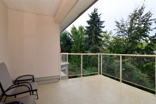"Photo 16: 407 15340 19A Avenue in Surrey: King George Corridor Condo for sale in ""STRATFORD GARDENS"" (South Surrey White Rock)  : MLS®# R2408031"