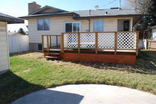 Photo 2: 3320 Doverthorn Way SE in Calgary: Dover Detached for sale : MLS®# A1095790