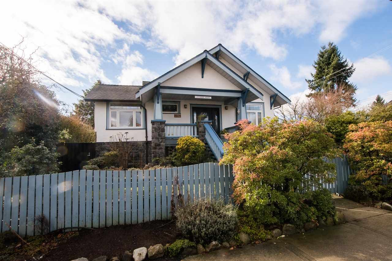 Main Photo:  in New Westminster: Moody Park House for sale : MLS®# R2550227
