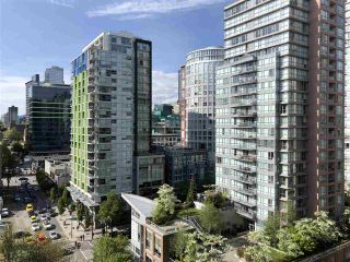 """Photo 2: 1403 1001 RICHARDS Street in Vancouver: Downtown VW Condo for sale in """"MIRO"""" (Vancouver West)  : MLS®# R2361718"""