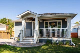 Photo 1: 20 Frontenac Bay in Winnipeg: House for sale : MLS®# 202119989