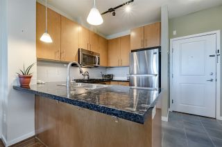 """Photo 5: 304 3551 FOSTER Avenue in Vancouver: Collingwood VE Condo for sale in """"FINALE WEST"""" (Vancouver East)  : MLS®# R2345462"""
