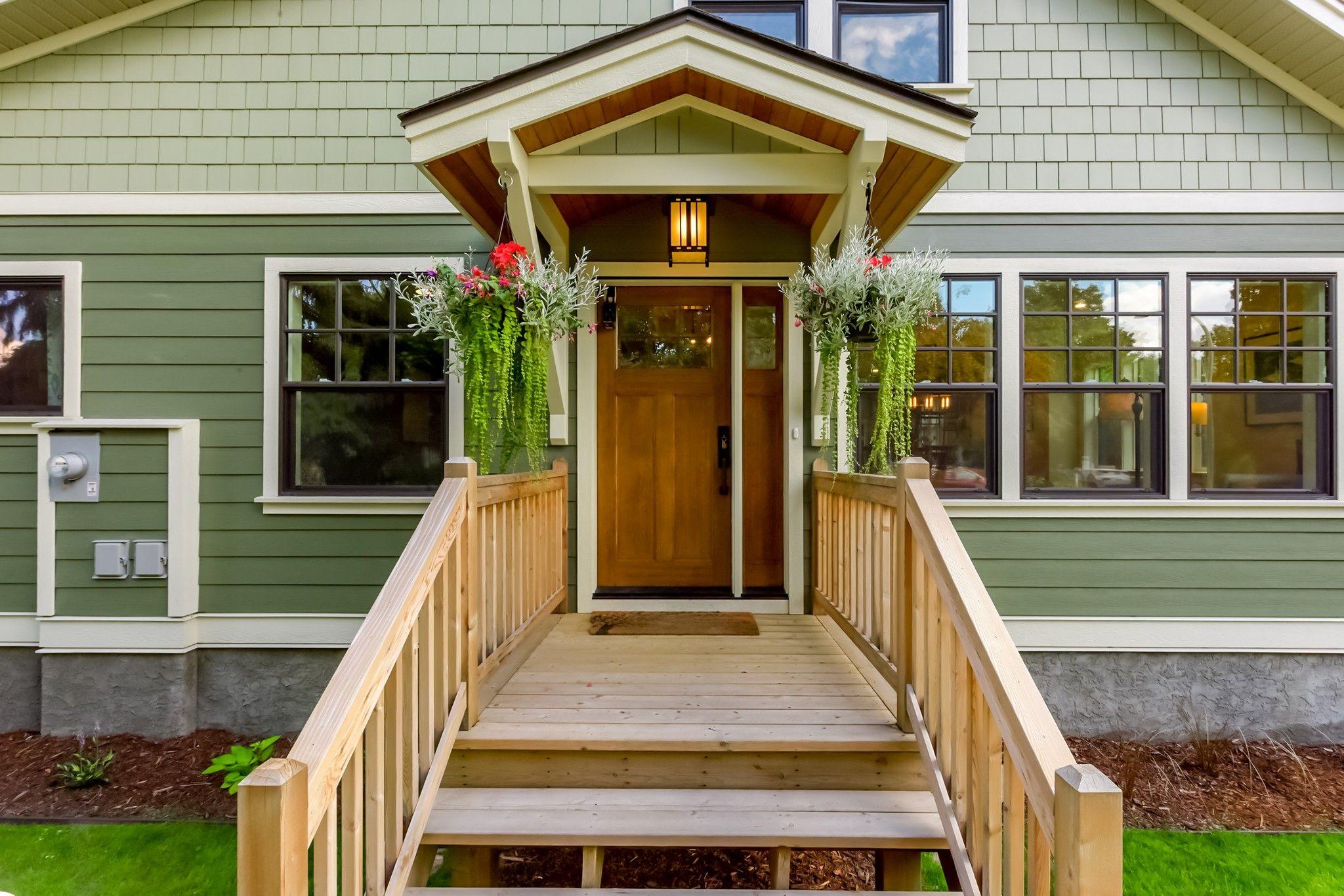 Main Photo: 953 Laurier Avenue in Kelowna: Kelowna South House for sale (Central Okanagan)  : MLS®# 10213796