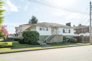 Photo 1: 1774 E 28TH Avenue in Vancouver: Victoria VE House for sale (Vancouver East)  : MLS®# R2054867