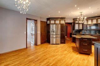 Photo 4: 503 Woodbriar Place SW in Calgary: Woodbine Detached for sale : MLS®# A1062394