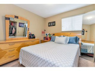 """Photo 12: 17345 63A Avenue in Surrey: Cloverdale BC House for sale in """"Cloverdale"""" (Cloverdale)  : MLS®# R2446374"""