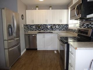 Photo 8: 2010 7th Avenue North in Regina: Cityview Residential for sale : MLS®# SK857144