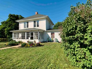 Photo 2: 9 ACADEMY Street in Kentville: 404-Kings County Residential for sale (Annapolis Valley)  : MLS®# 202109203