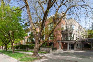 """Photo 25: 202 2181 W 12TH Avenue in Vancouver: Kitsilano Condo for sale in """"The Carlings"""" (Vancouver West)  : MLS®# R2579636"""
