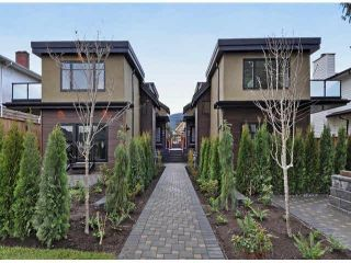Photo 1: A 234 E 18TH Street in North Vancouver: Central Lonsdale 1/2 Duplex for sale : MLS®# V1069556