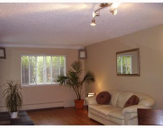 Photo 2: 112 1122 KING ALBERT Avenue in Coquitlam: Central Coquitlam Condo for sale : MLS®# V663844