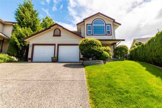 """Photo 2: 46688 GROVE Avenue in Chilliwack: Promontory House for sale in """"PROMONTORY"""" (Sardis)  : MLS®# R2590055"""