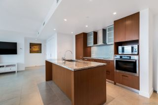 "Photo 7: 2405 1028 BARCLAY Street in Vancouver: West End VW Condo for sale in ""PATINA"" (Vancouver West)  : MLS®# R2555762"