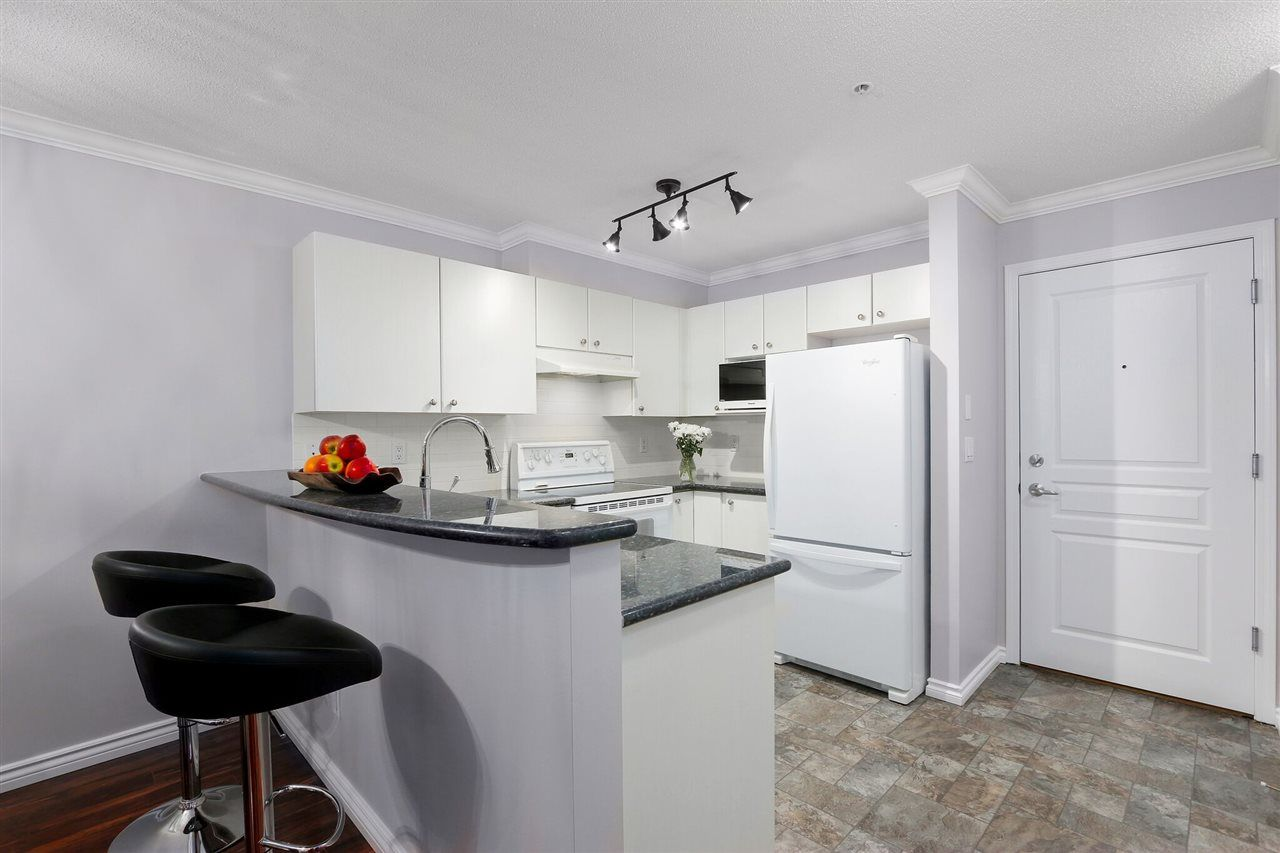 """Photo 8: Photos: 162 1100 E 29TH Street in North Vancouver: Lynn Valley Condo for sale in """"HIGHGATE"""" : MLS®# R2426893"""