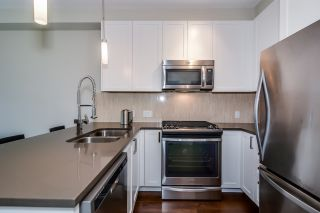 "Photo 2: 310 12409 HARRIS Road in Pitt Meadows: Mid Meadows Condo for sale in ""LIV42"" : MLS®# R2107610"