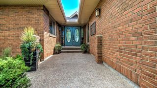 Photo 3: 14 Varsity Estates Close NW in Calgary: Varsity Detached for sale : MLS®# A1131714