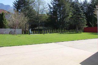 """Photo 12: 21034 RIVERVIEW Drive in Hope: Hope Kawkawa Lake House for sale in """"Kawkawa Lake"""" : MLS®# R2279825"""