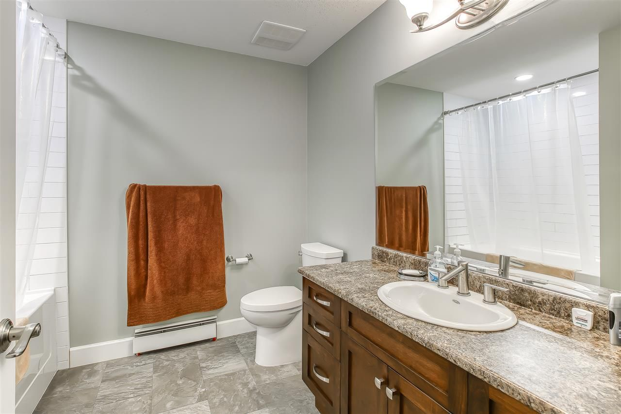 """Photo 38: Photos: 2732 NORTHCREST Drive in Surrey: Sunnyside Park Surrey House for sale in """"Woodshire Park"""" (South Surrey White Rock)  : MLS®# R2543125"""