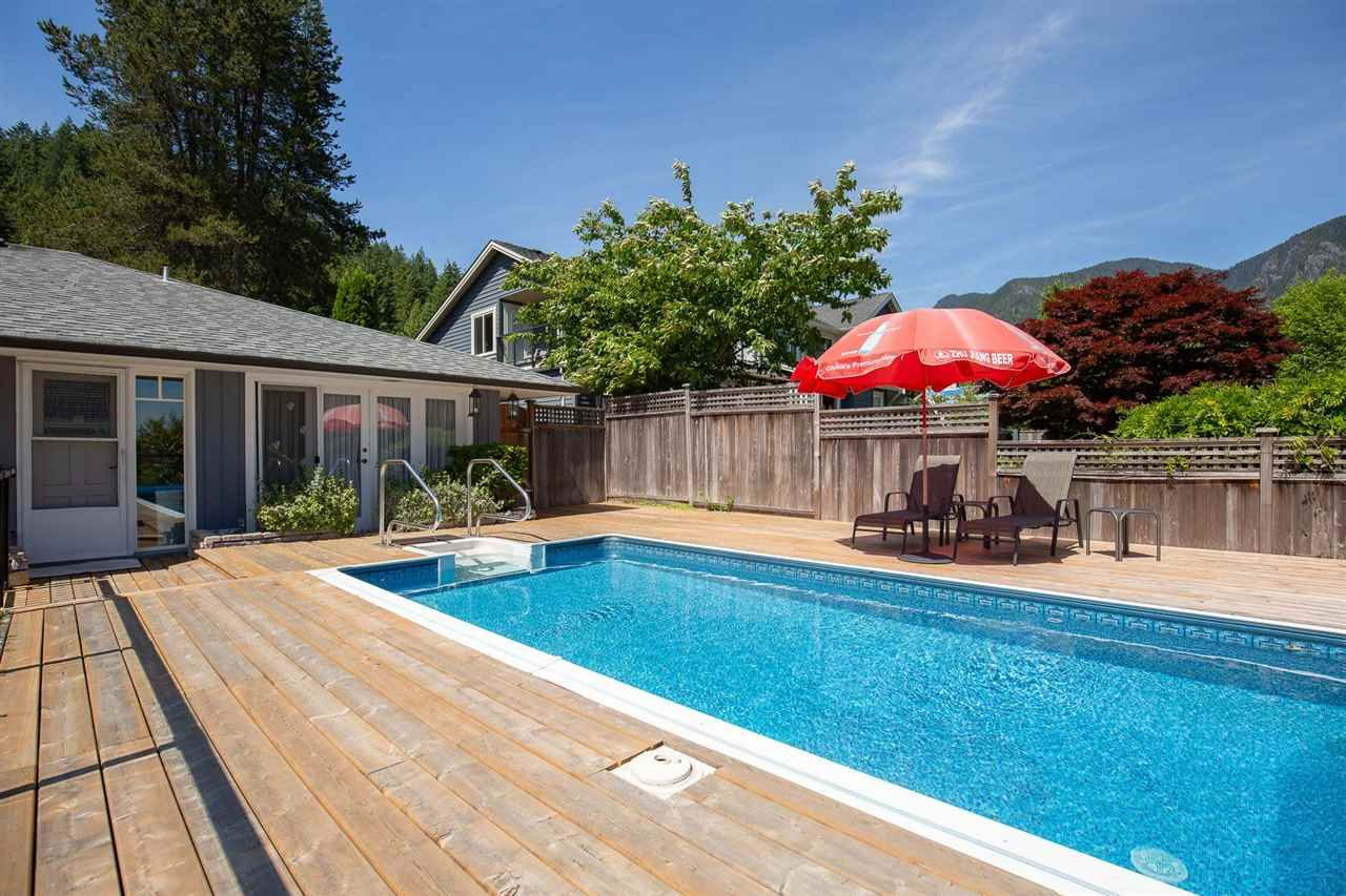 Photo 17: Photos: 80 GLENMORE Drive in West Vancouver: Glenmore House for sale : MLS®# R2468139