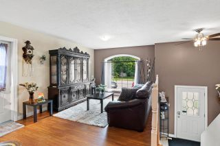 Photo 3: 4821B 50 Avenue: Cold Lake House Half Duplex for sale : MLS®# E4207555
