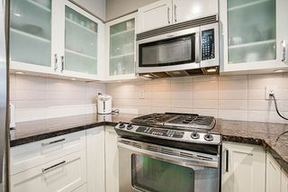 """Photo 6: 808 1 RENAISSANCE Square in New Westminster: Quay Condo for sale in """"THE 'Q'"""" : MLS®# R2521364"""